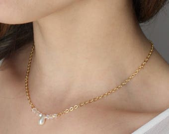 Gold Pendant Pearly Pearl and Crystal bridal necklace