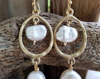 Pearl Gold Dangle Earrings