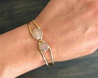 Peach Moonstone Cuff Bracelet // Peach Moonstones Gold Bracelet // Peach Moonstone Bracelet