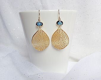 GOLD MESH EARRINGS - Gold Leaf Earrings - Filigree Leaf Earrings -Gold Filigree Earrings - Curved Leaf Earrings