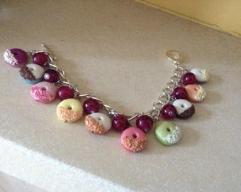 Sliver Bracelet with Doughnut Cabochons and Coloured Glass Beads