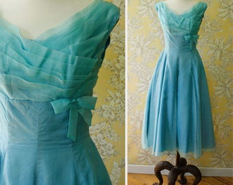 vintage 1950s dress <> 50s/60s party dress <> formal prom dress <> 50s/60s dress in turquoise blue