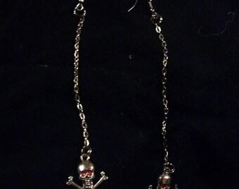 Dangling skulls