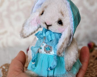 "Artist rabbit teddy ""Polly"""
