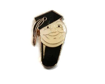 Guinness Graduation Enamel Pinback Graduate Lapel Pin Beer Smiling Face Tie Tack Hat Pin