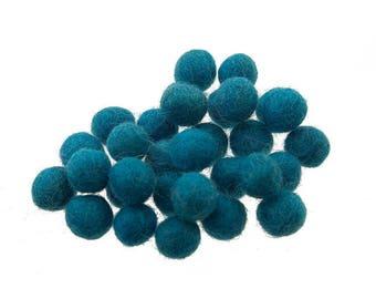 5 beads/tassels 13mm 100% wool blue duck