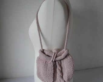 knitted pink purse, wool-knit bag, cable-textured purse, party accessory, pale pink handbag, teenage accessory, small pink knitted handbag