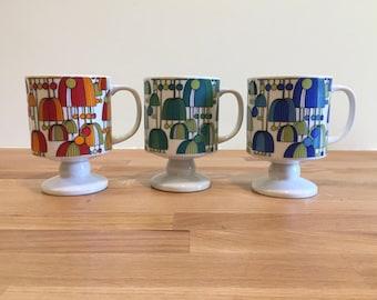 Fabulous Vintage Porcelain Pedestal Mugs   Set of Three Umbrella Jellyfish   Classic Retro Design Red Green Blue