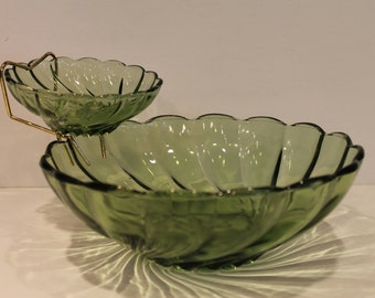 Green Shell Swirl Chip and Dip Set with Brass Holder - Vintage Green Glass Party Set