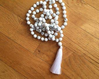 Howlite Mala Necklace, 108 Mala Beads, White Mala Necklace, Howlite Necklace, Knotted Mala, Howlite Jewelry, White Necklace Summer Jewelry