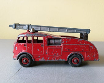 Vintage Dinky Toys Fire Engine With Extendable Ladder - No 555 - Made In England - Meccano Ltd. Vintage Dinky Toys No 555 Fire Engine