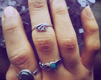 Silver Waves Midi Ring