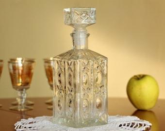 Liquor Decanter - Liquor Bottle - Alcohol Decanter - Whiskey Decanter - Vintage Glass Decanter - Decanter and Stopper - Glass Bottle