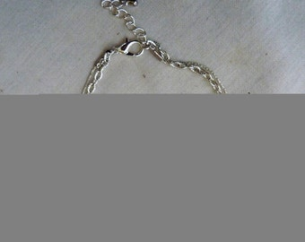 Bracelet chains and passing star