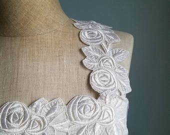 80s Solid White Floral Trim Sleeveless Rayon Acetate Wedding Formal Dress