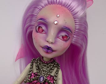 OOAK Monster high Doll, repainted and rerooted Rochelle