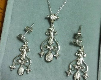 Vintage 10K White Gold Diamond Art Deco Style Pendant Necklace with Chain & Chandelier Earrings