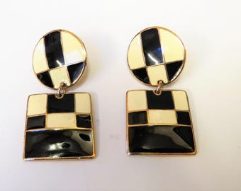 Vintage Edgar Berebi Black And White Enamel Dangle Geometric Earrings