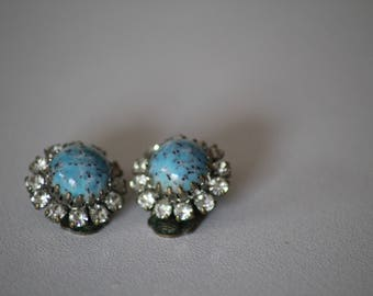 """Vintage"" costume jewelery earrings"