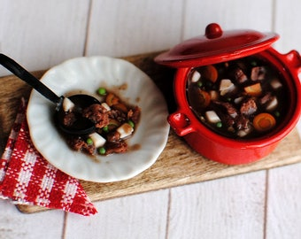 Realistic Beef Stew Board Dollhouse Scale 1:12, Dollhouse food, Miniature food, Dollhouse kitchen