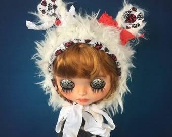 Blythe hat, Blythe ladybug helmet, doll faux fur hat, Blythe clothes, Blythe, Blythe outfit, Blythe dress, blythe doll