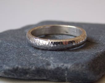 Silver fine ring with a hammered effect