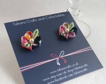 Japanese Motif Printed Fabric Stud Earrings / Tsumami Kanzashi / Geisha Inspired / Vintage Fashion / Floral Stud Earrings