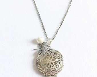 Silver Locket, Filigree locket, Filigree necklace, Locket necklace, antique locket, Victorian locket, Tudor jewelry, memory locket, gift