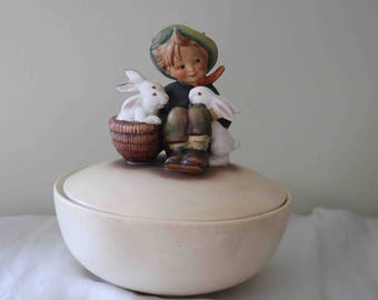 Rare TMK 3 Geobel Hummel 'Playmates' Candy or Trinket Box  Very good condition