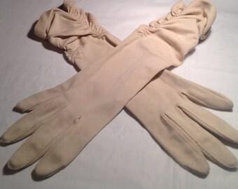 Vintage Tan Ruched Gloves