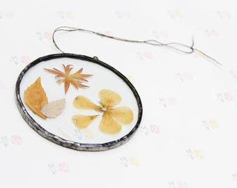 Vintage Dried Floral Glass Suncatcher Ornament, Mothers Day Gift for Mum, Framed Dried Flowers Fall Decor, Foliage Art Gift, Grandma Gift