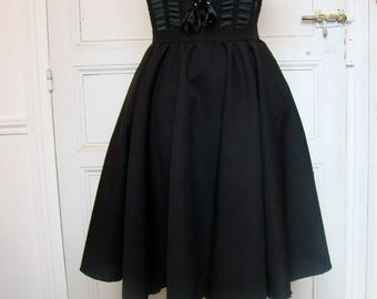Ample short skirt black polyester