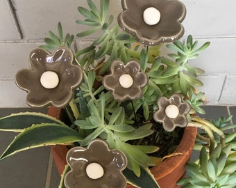 Ceramic white and grey flowers