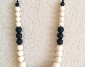 Silicone Teething Necklace, Nursing Necklace, Chew Beads, black and white
