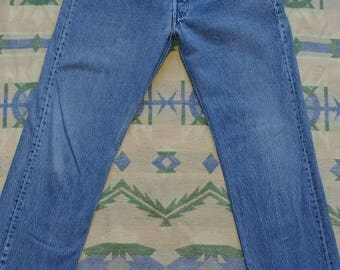 Vintage Levis 501 Made in USA 100% Cotton - Measured 32 Waist, 32 Length - Great faded color