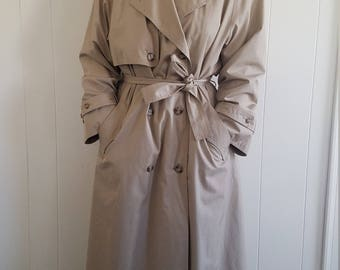 Towne by London Fog Women's Trench Coat size 10 Medium