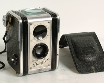 Kodak Duaflex camewra Original U.K. Model serviced rare 1950 bakelite camera. Vintage!