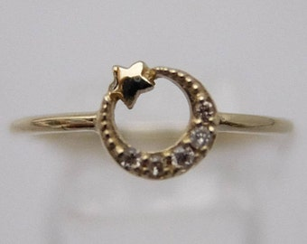 10K Yellow Gold Crescent Moon Star Ring