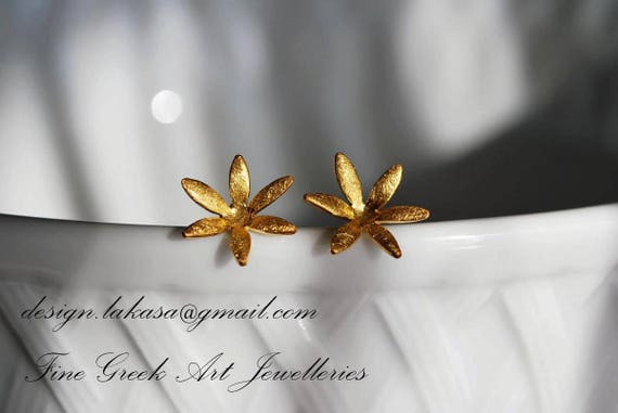 Flower stud earrings sterling silver gold plated jewelry Lakasaeshop collection fashion woman girlfriend best ideas gift beauty floral style