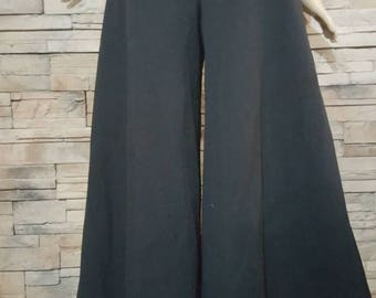 Black wide leg pants from the 70s /size 28 to 30