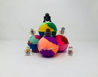 New! 2 or 4 Star Wars Droids Lego Figure Inspired 7.0 oz Birthday / Easter Bath Bomb Sets with Surprise Toy Inside. All Homemade & Natural.