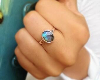 Sterling silver labradorite ring - gemstone ring - promise ring - blue stone ring - natural stone ring - everyday ring - simple ring