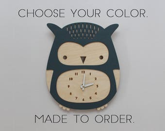 wooden owl clock, made to order, you choose your color • modern nursery decor • baby shower gift • woodland • laser cut • baby shower gift