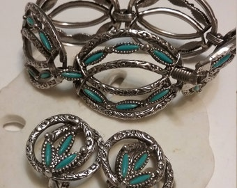Faux Turquoise Silver tone Bracelet & Earring Set