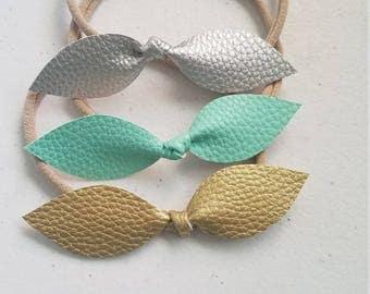 Amelia style bow in Mint Trio