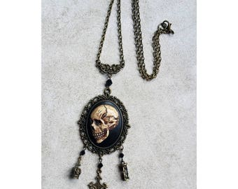 necklace camafeo memento mori human skull 3d bronze death mortality tempus fugit vanitas gothic occult medieval macabre dark