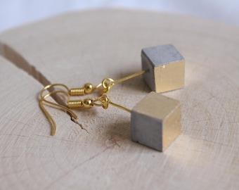 Concrete cube earrings GOLDY geometric gold