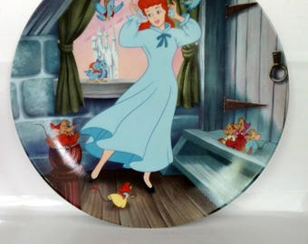 SALE! Vintage Cinderella Display Plate - A Dream Is A Wish Your Heart Makes - Disney Princess - Bridal Shower Gift