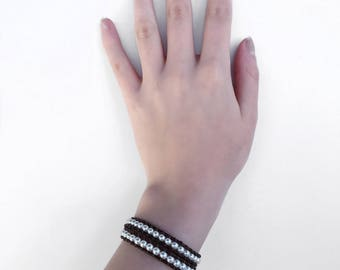 Ivory glass pearl bracelet