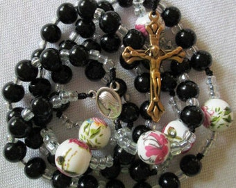 corded rosary,rosaries with cord,knotted rosary,rosary,rosaries,catholic rosary,catholic rosaries,black rosary,black rosaries